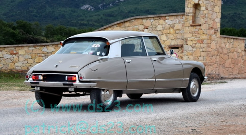 Citroen DS23...  Burel ...